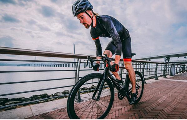 碳纤维自行车